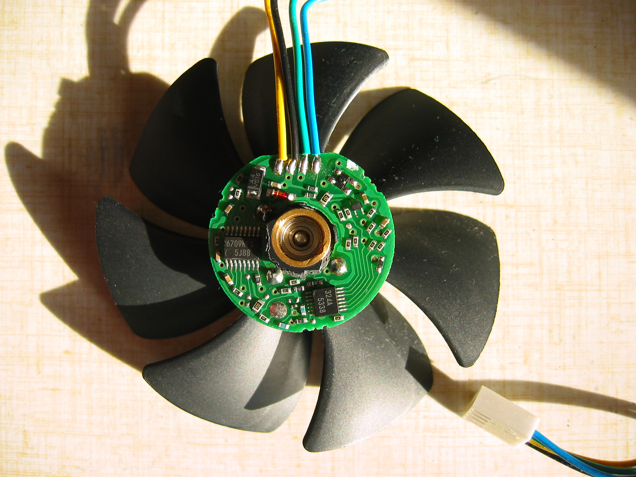 4-Wire fans on 4 pin fan relay, 4 pin plug diagram, 4 pin fan connector solder, 4 pin fan adapter, 4 pin fan header pinout,