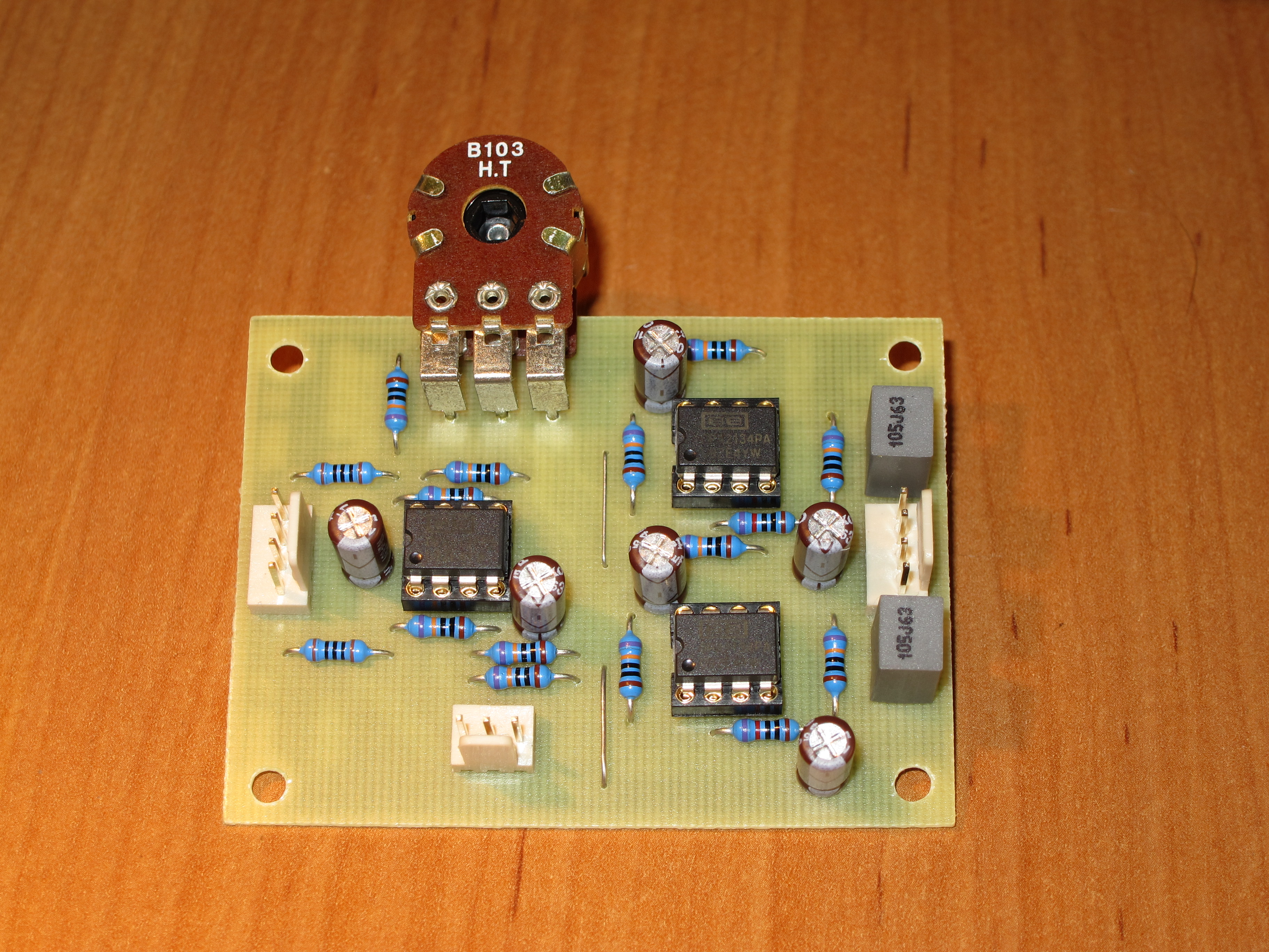 Stereo width controller